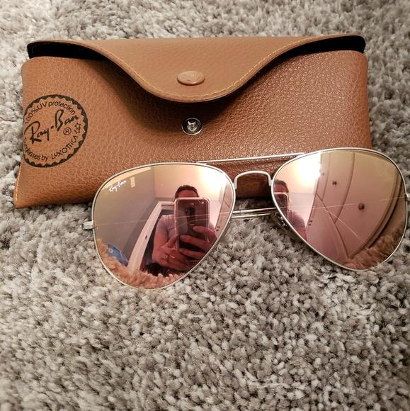 d7787cb6fc Ray ban Womens Sunglasses. M 5abd63183b16081642fa0c85
